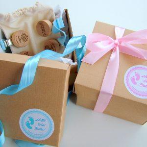 Helló Pici Baba névre szóló ajándék babáknak díszdobozban